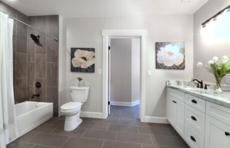 1814 Wood Road Fulton Horse Property Bathroom 1