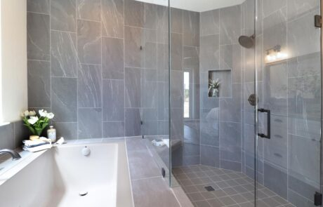 1814 Wood Road Fulton Horse Property Master Bathroom, Tub & Shower