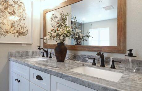 1814 Wood Road Fulton Horse Property Master Bathroom, Vanity