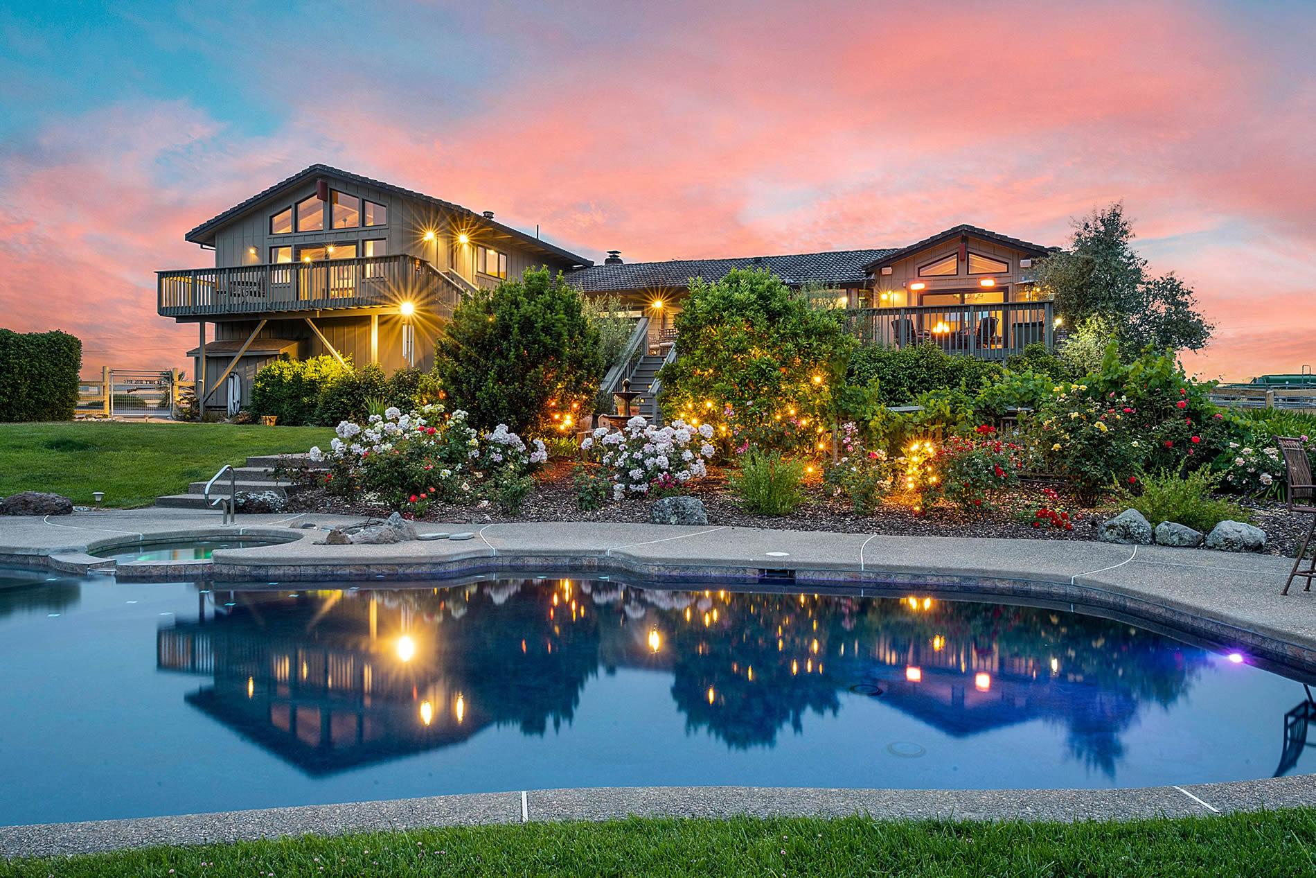 6261 Warehill Road Santa Rosa Horse Property